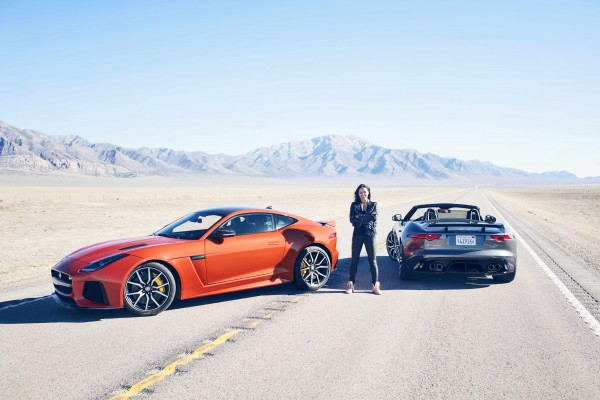 JAGUAR_F-TYPE_SVR_200MPH_HERO_01