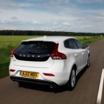 Volvo_V40_awarded_safest_used_family_car_02