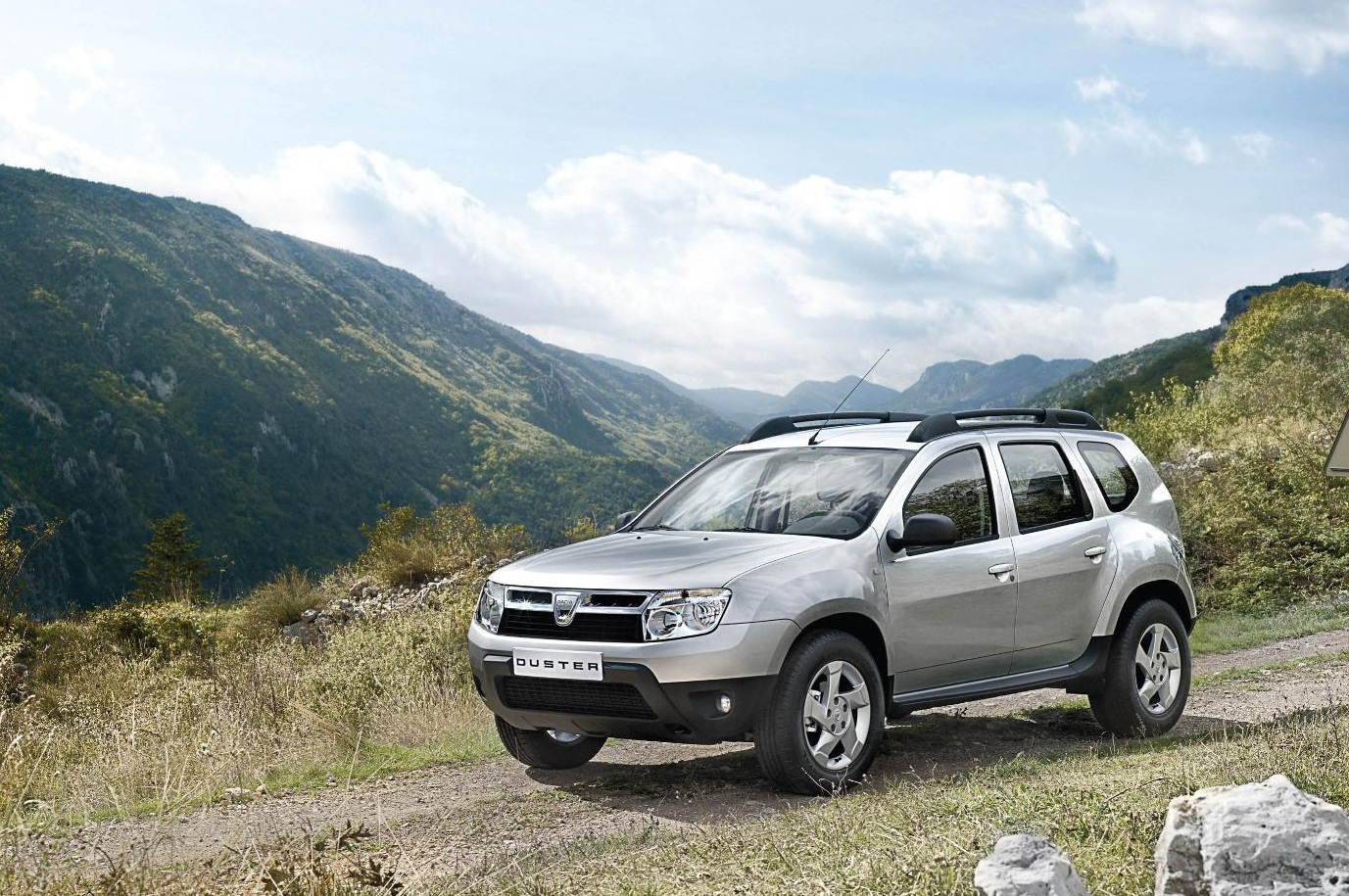 buy a dacia duster with a deposit of 100. Black Bedroom Furniture Sets. Home Design Ideas